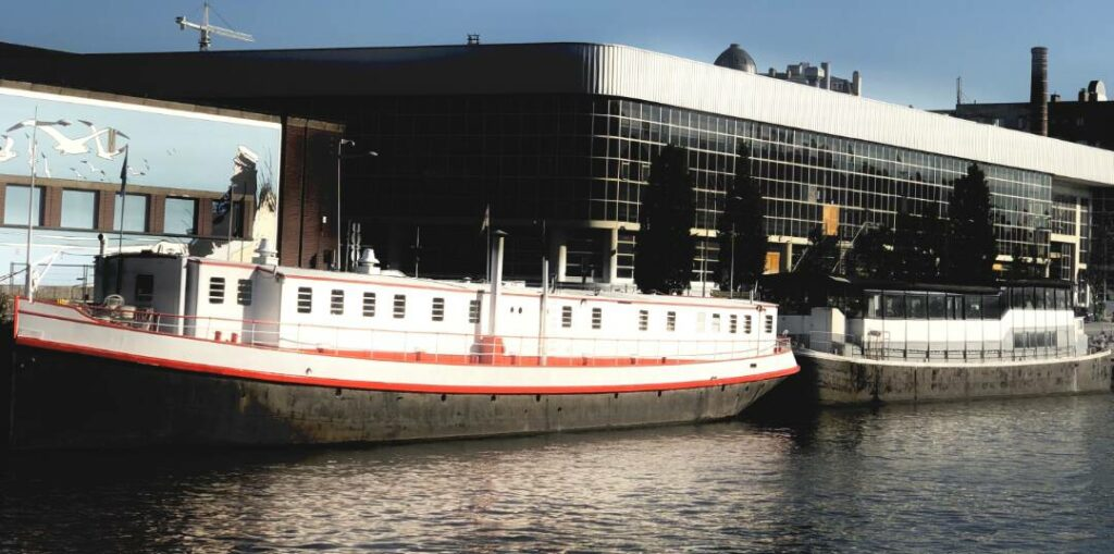 Tropical event boat in Brussels