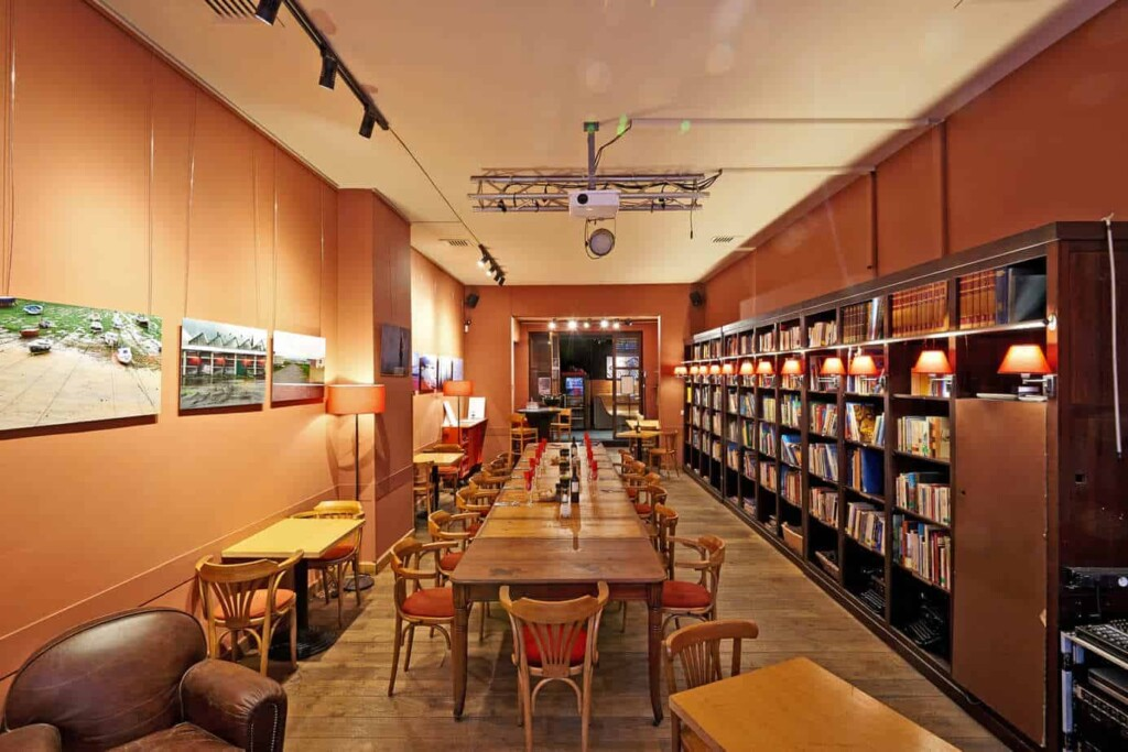 Intimate library venue in the heart of Brussels