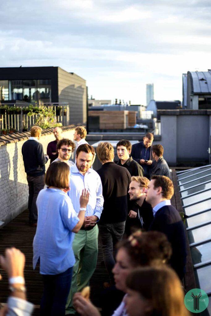 hedy-lamarr-rooftop