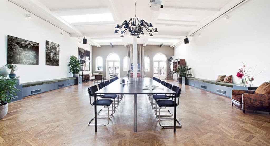 Multipurpose elegant conference room