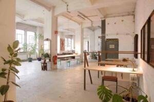 Bright and versatile industrial studio