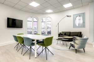 Cozy and bright meeting room Paris