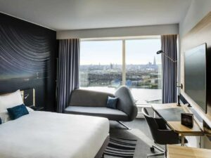 Stunning hotel with views on the London skyline