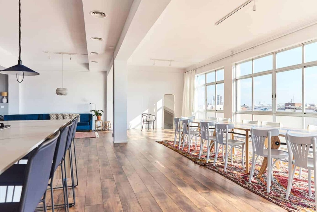 Shiny and bright penthouse in Barcelona
