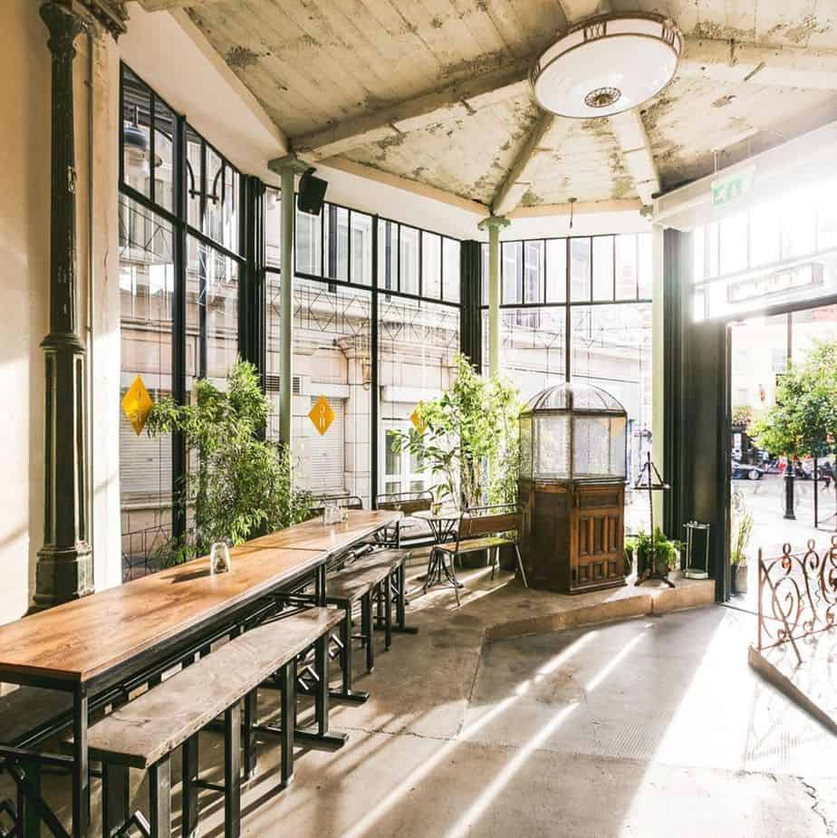 Rustic-chic setting with a vintage vibe