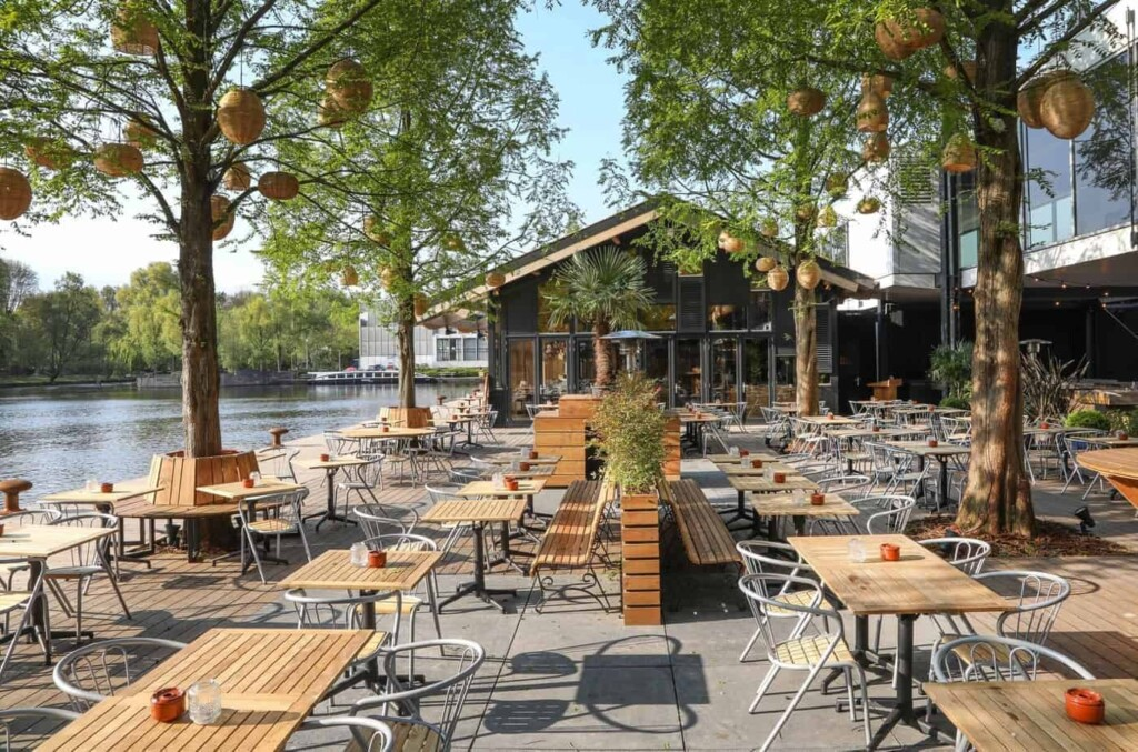 Multi-functional venue with a view over the Amsterdam canals