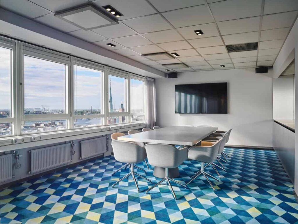 17th floor inspiring meeting space