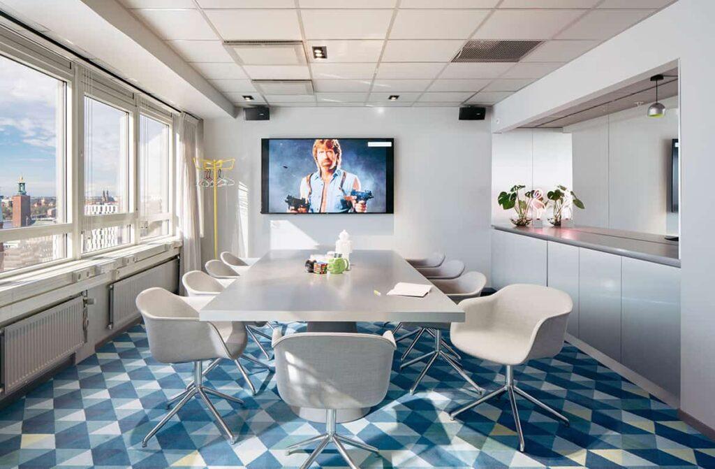17th-floor inspiring meeting space