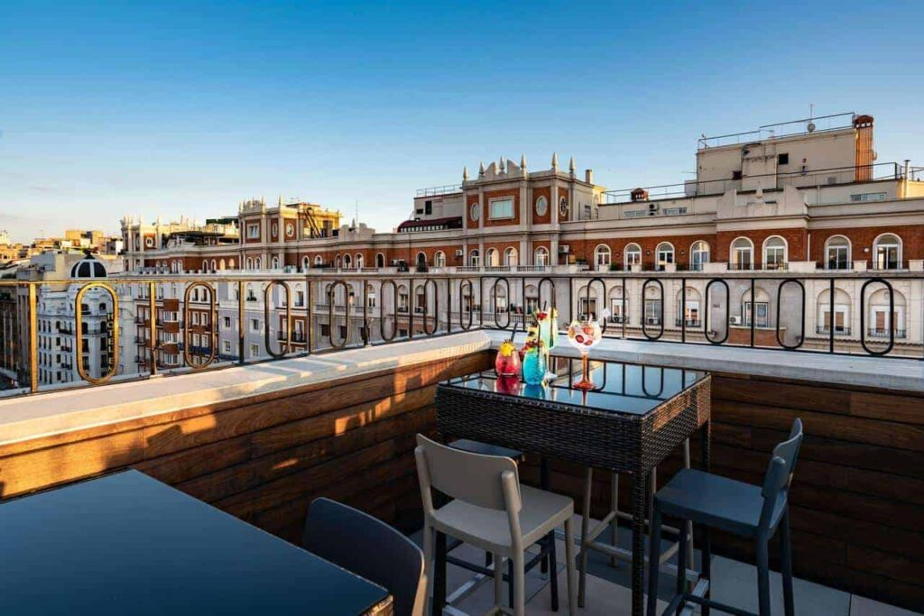 Tunning Rooftop Terrace In Central Adrid