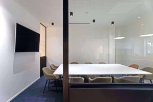 White and sleek meeting room with soft undertone