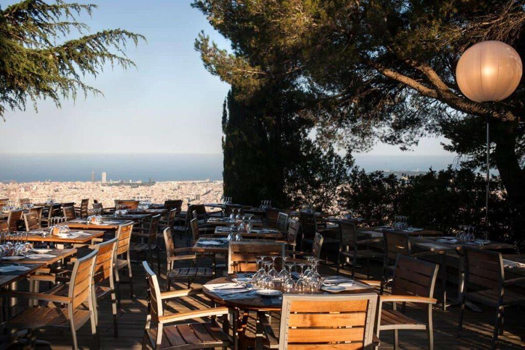 Wonderful terrace with views over the Barcelona skyline