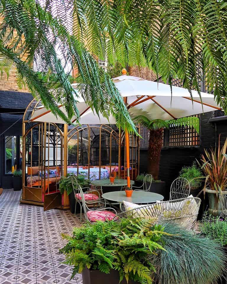 Japanese garden for intimate gatherings