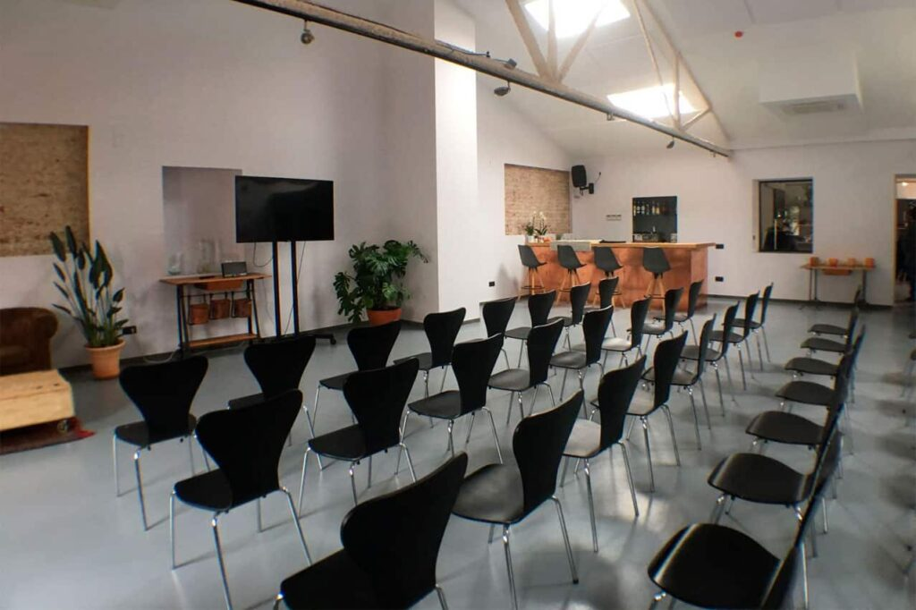 Multipurpose modular space for events