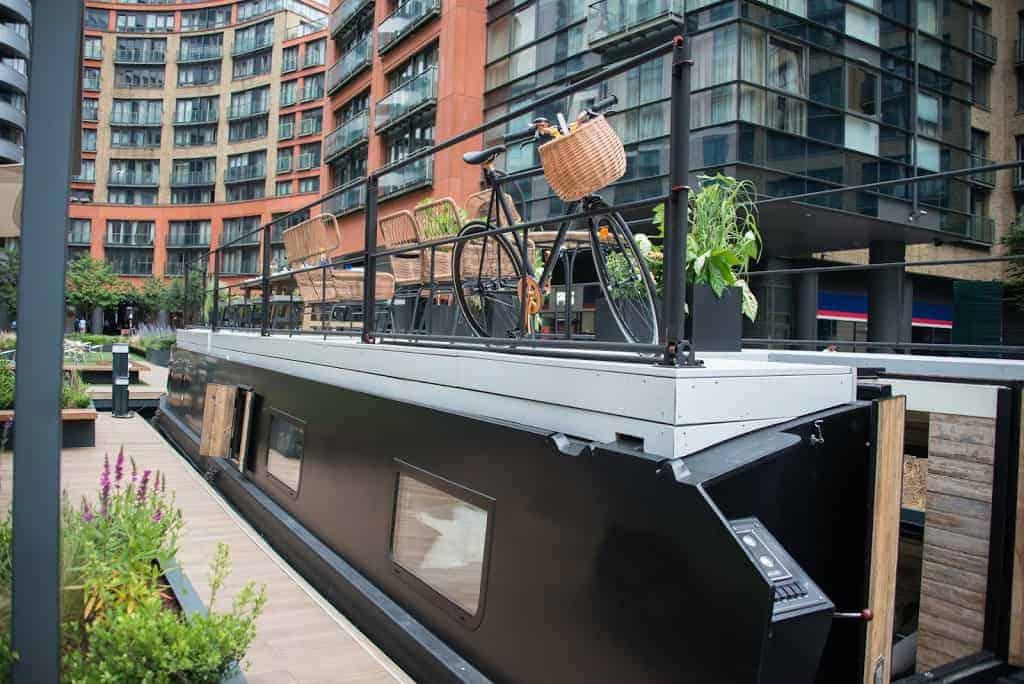 Unique boat venue with a rooftop
