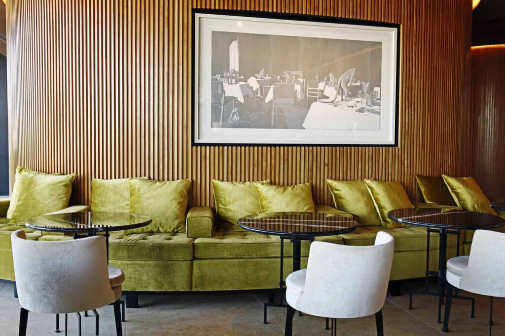 Cosmopolitan hotel with a classic vintage style