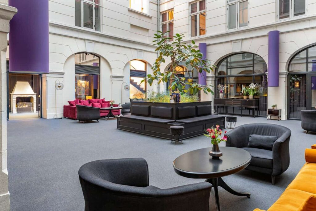 Luxurious hotel in classic English style in city centre