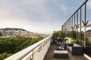 Luxurious hotel with views of central Lisbon