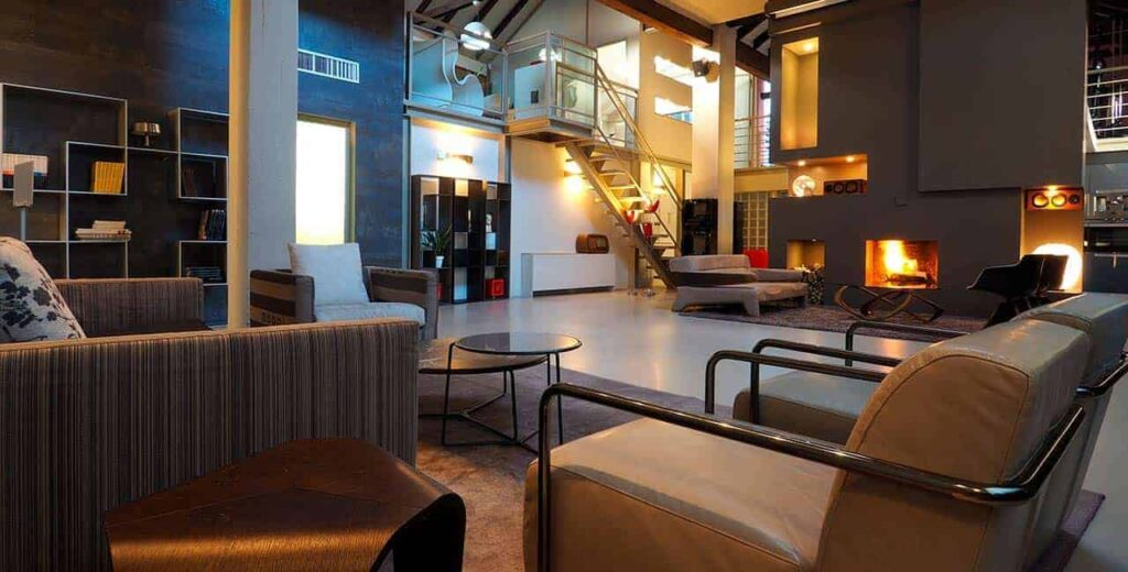 Sleek and stylish loft in Milan