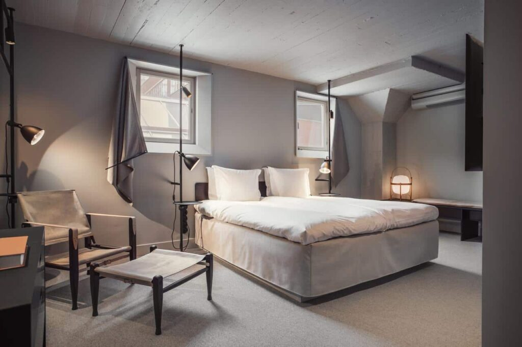 Urban hotel with a contemporary design