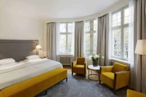 Warm hotel with an elegant look in Stockholm. Perfect accommodation for business trips.