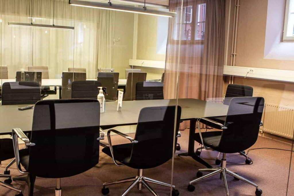 Contemporary sophisticated meeting room