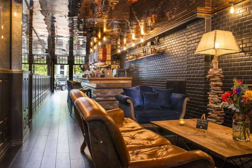 Modern rustic hotel in the heart of Amsterdam