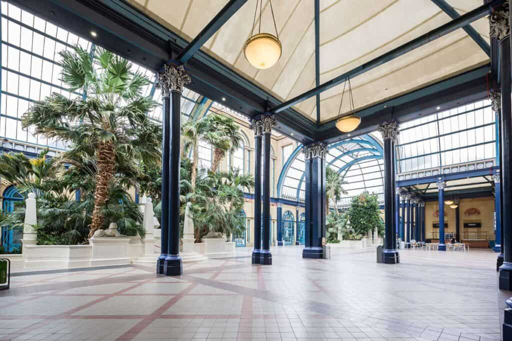 Stunning event space flooded by palm trees