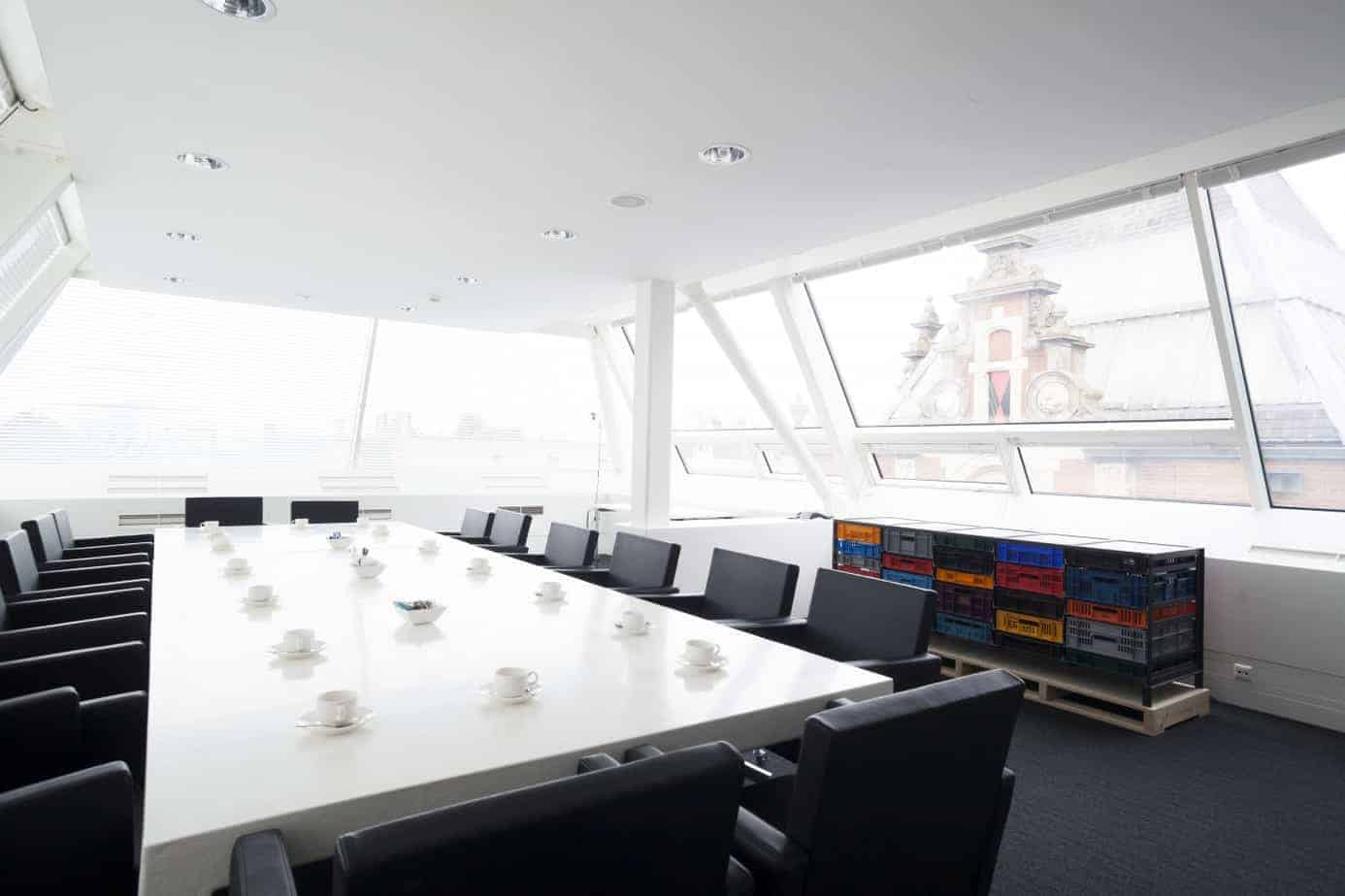 Ultra Modern Bright Meeting Room With A Roof Terrace Spacehuntr