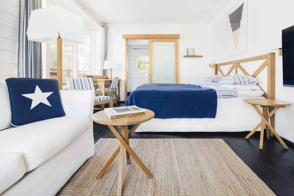 Idyllic yacht-club style hotel