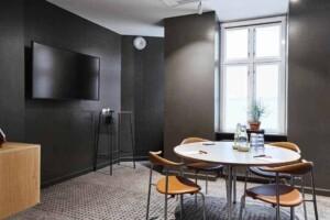 Luminous room with a Scandinavian aesthetic