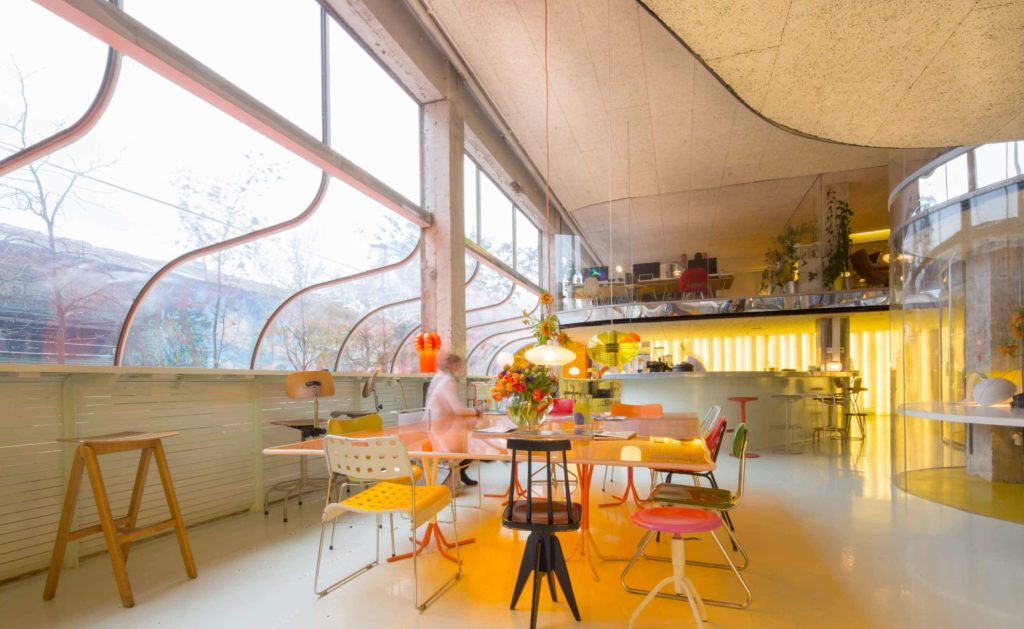 Retro space with a trendy design
