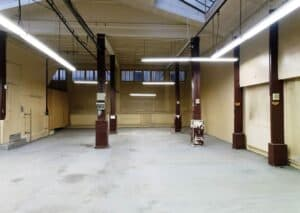 Former sewing workshop for events featuring a raw industrial style.