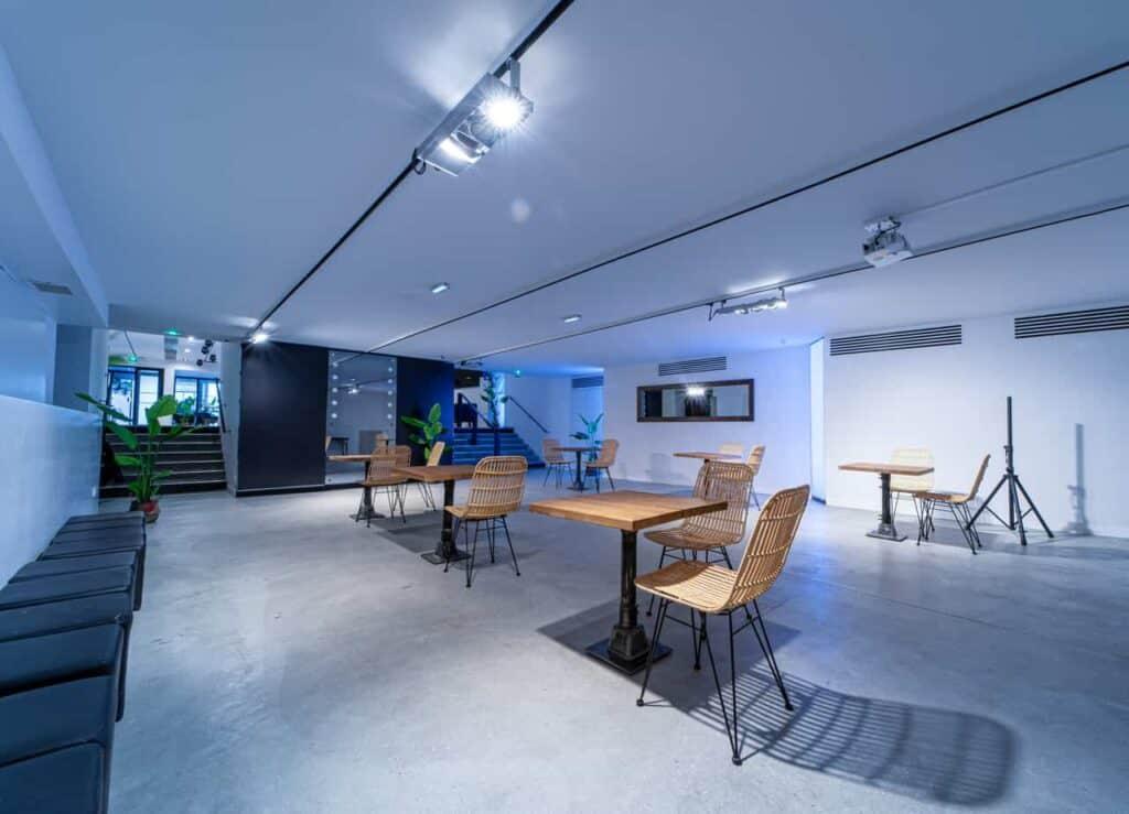 White versatile venue for corporate events