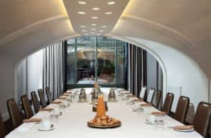 Special location with round ceiling and white interior for team meetings