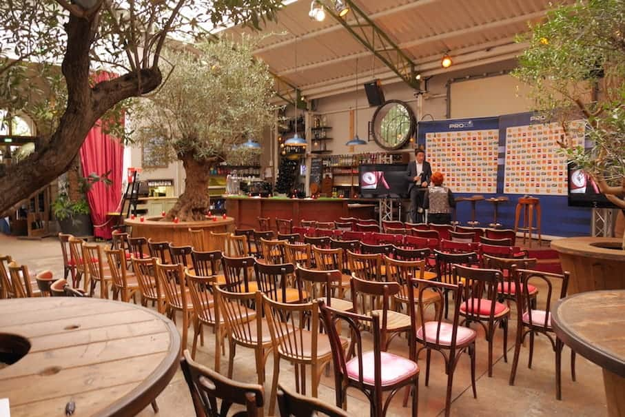 Cozy event space with a quirky design and glass roof