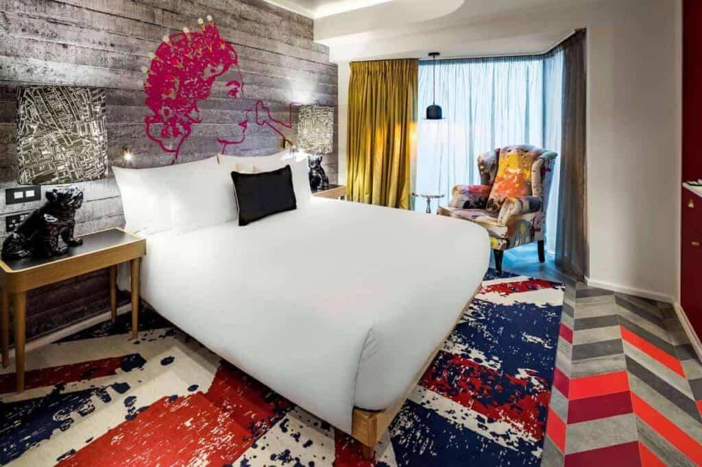 extravagant London hotel