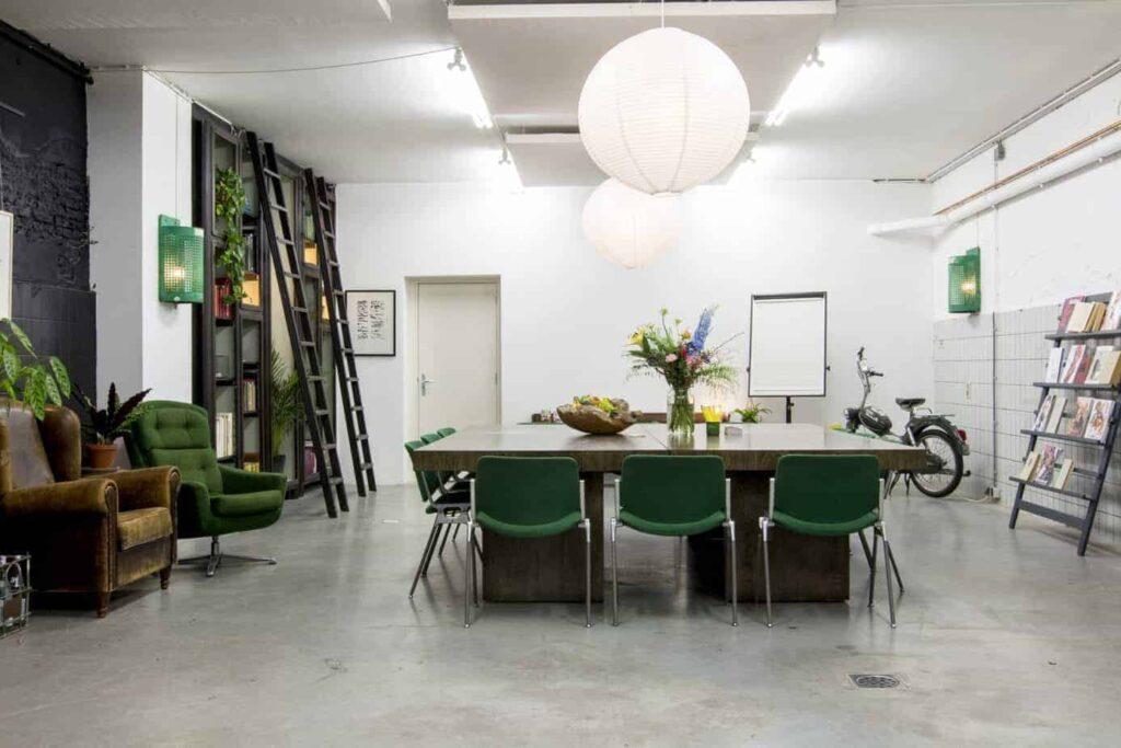 Industrial location with a modern interior for corporate gatherings