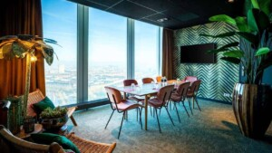 Tropical meeting room with a trendy style in Amsterdam. Venue for meetings, brainstorming or private dining.