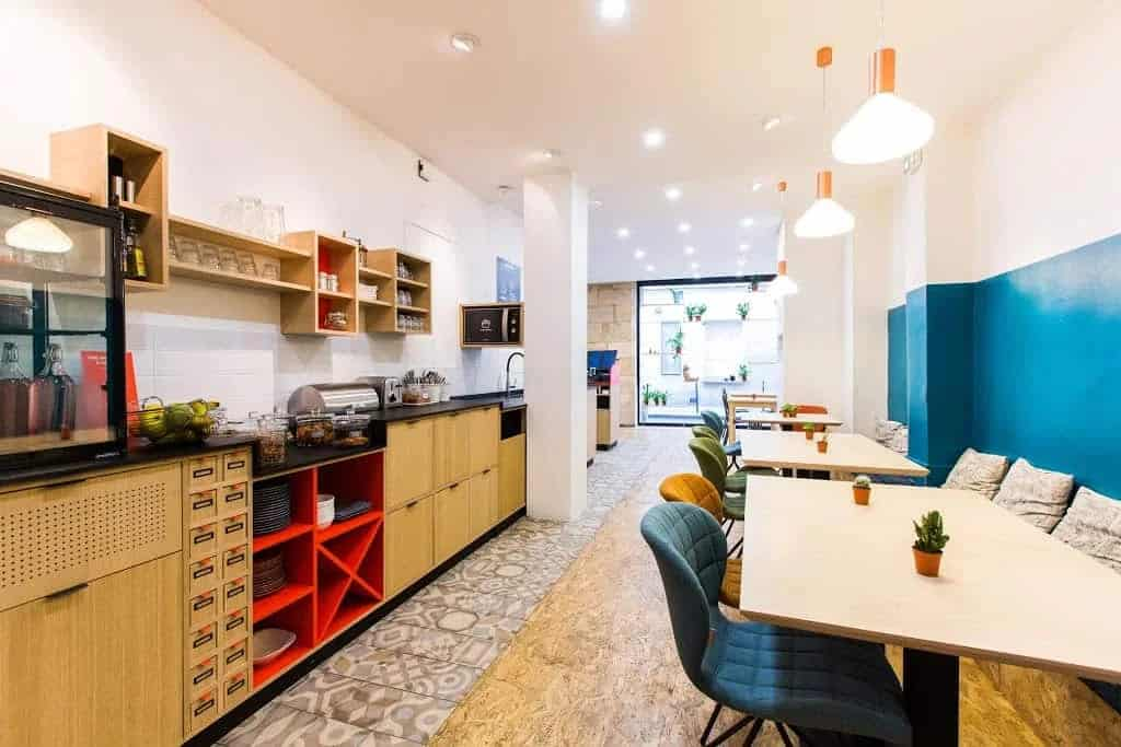 Quirky workcafé with colourful interior and luminous atmosphere