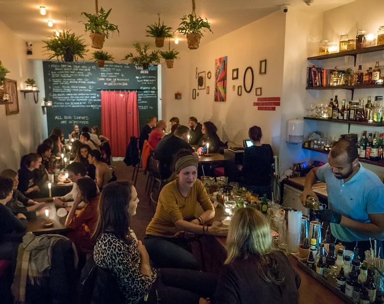 Cozy and hip cocktail bar in Brussels