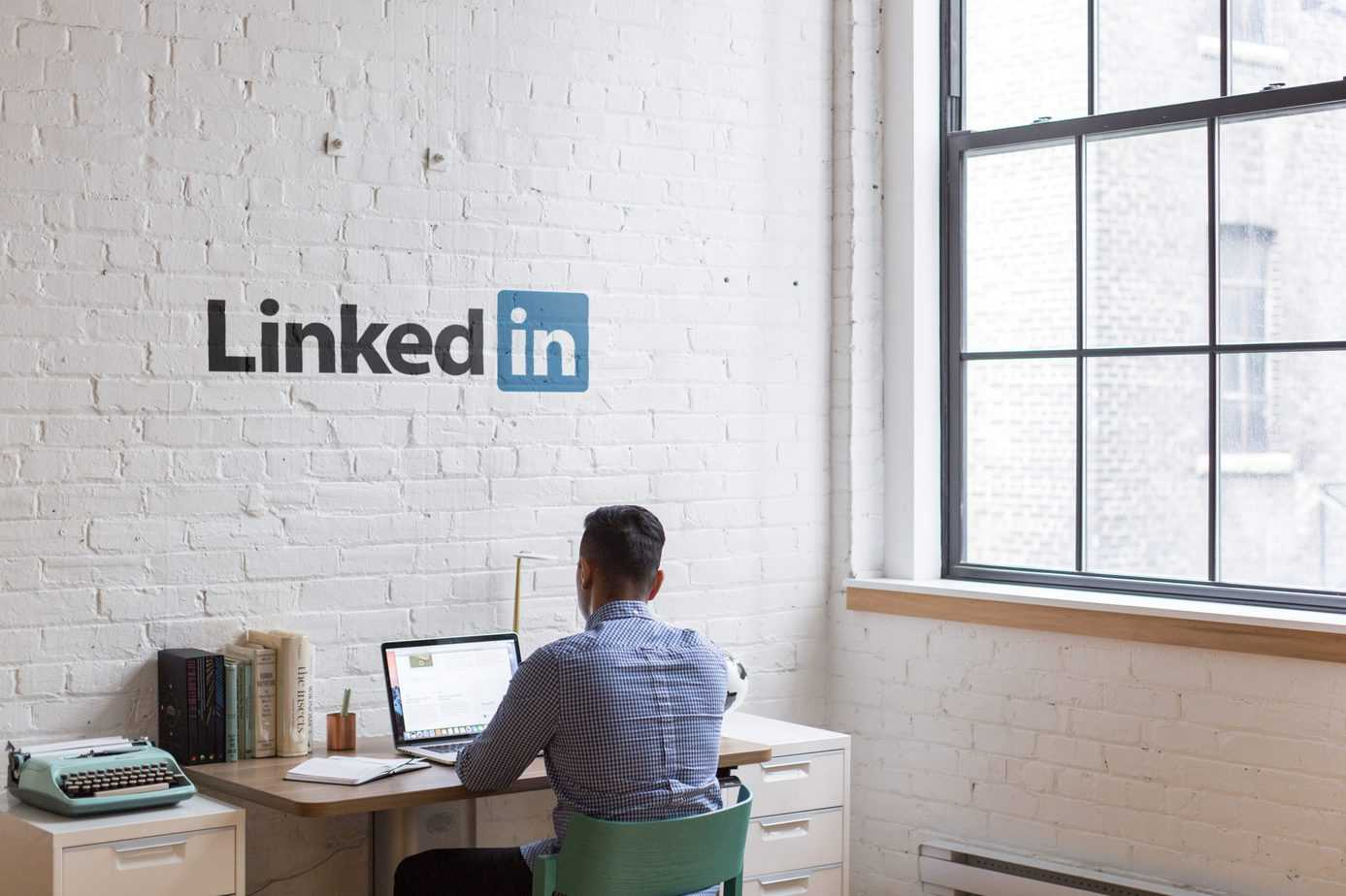 LinkedIn strategies for driving traffic to a corporate website