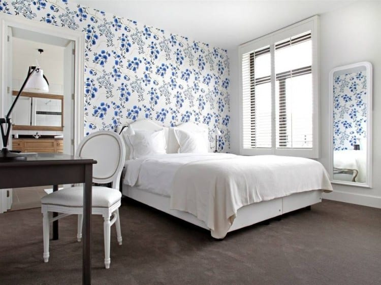 Classic and luminous hotel room in Made in Louse in Brussels