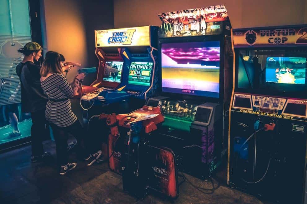 Cafe with arcade games