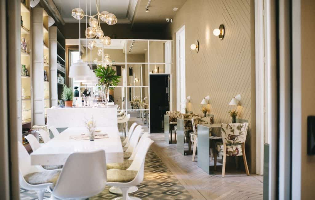 Restaurant with stylish and light interior for private dining in Madrid