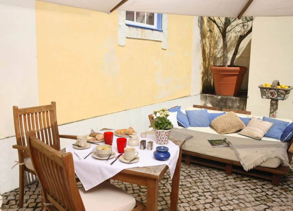 Cosy Portuguese outdoor terrace