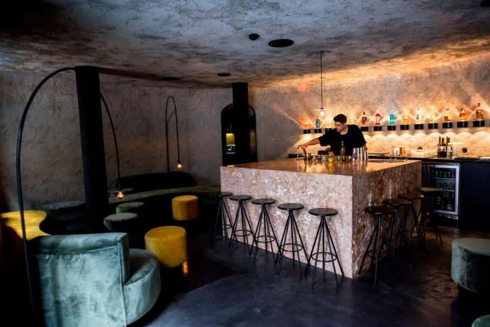 Bar with an industrial, but modern feel