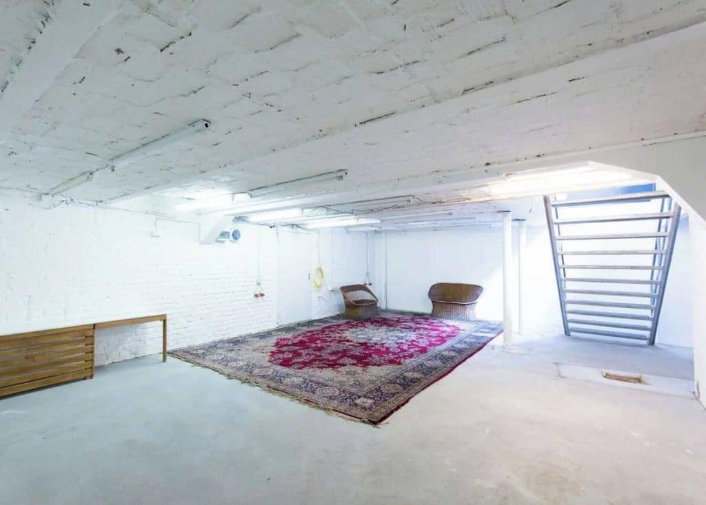 blank studio for rent