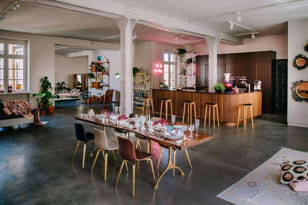 Cool Afterwork Space with stylish forniture in cool areas in berlin