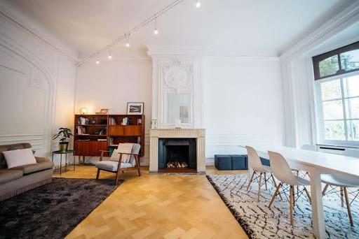 Elegant Meeting Space