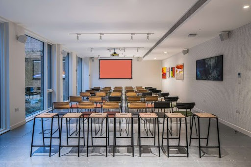 Versatile and Bright Training Room in London